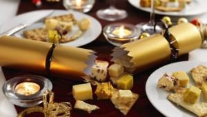 Cheese christmas crackers