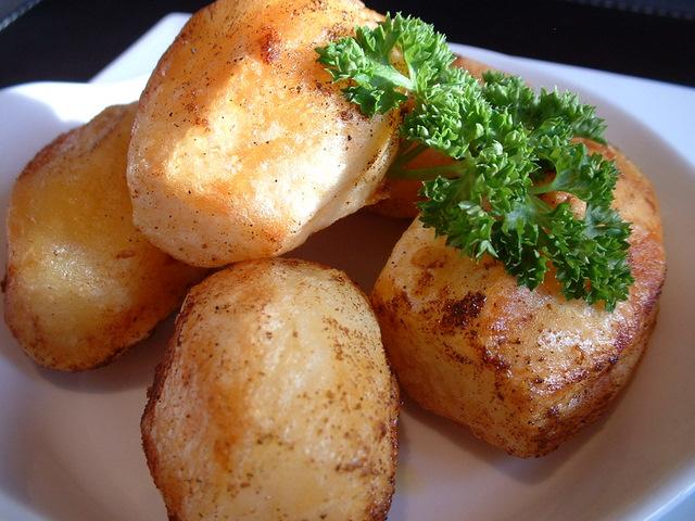 Paprika roast potatoes